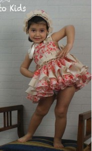 Vestido y capota Monet de Chic to Kids