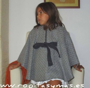 Capa gris de Nueces Kids