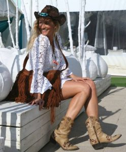 Look vestido crochet blanco de Tuit Fashion Home
